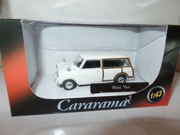 Cararama 4-15550 1/43 O Scale Minivan Mini Van Estate Old English White